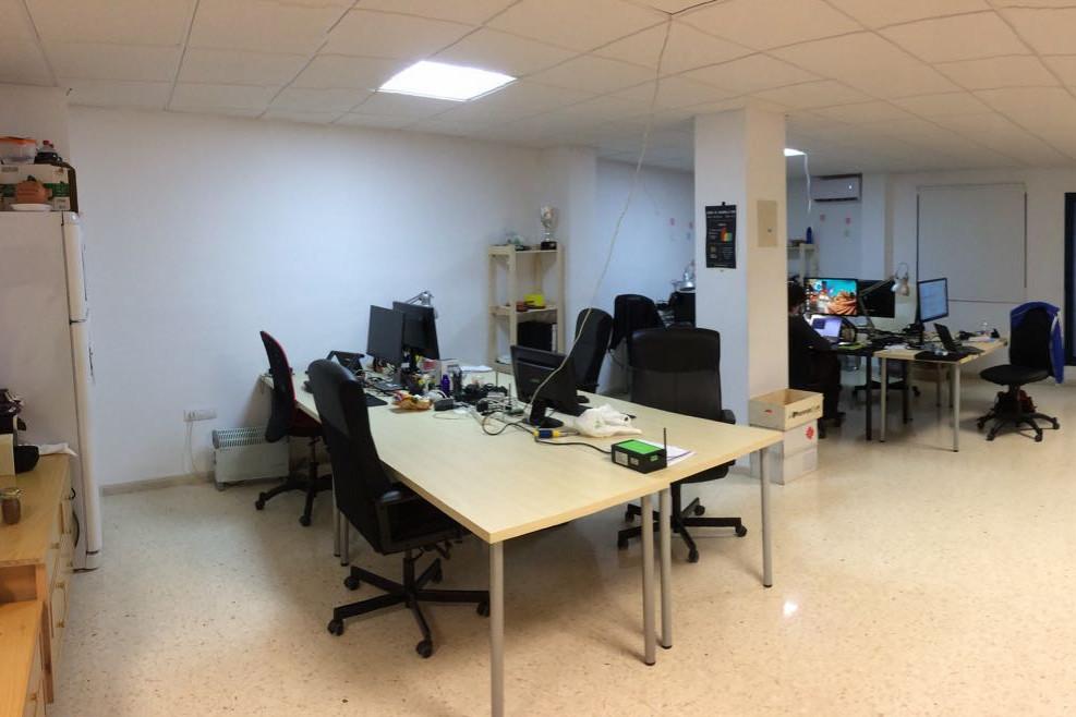 Barbacode space coworking valencia for Material de oficina en valencia